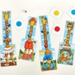 070_giraffes_in_scarves_002